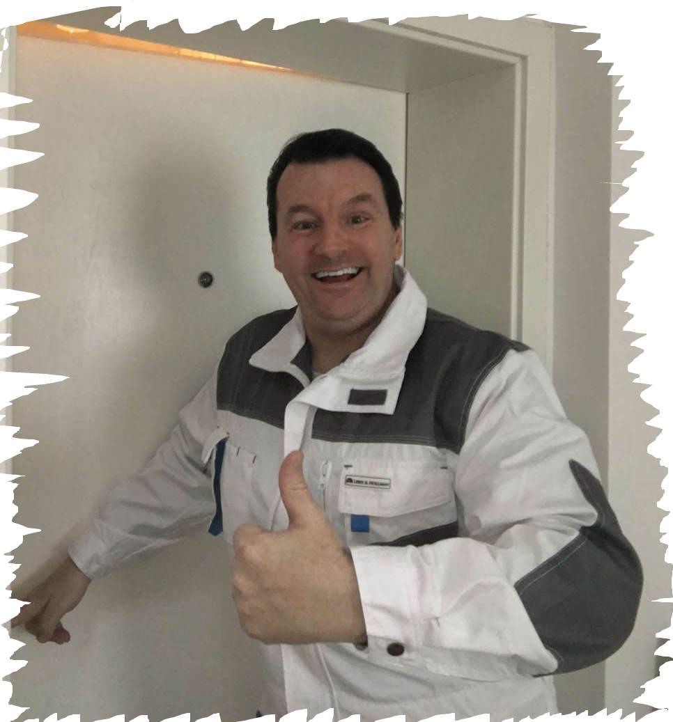 Schlüsseldienst Pontviertel Monteur Karl beherrscht viele Tür Öffnen Tricks und hilft ihnen in wenigen Sekunden